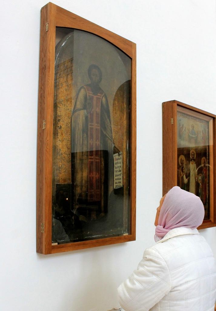 Свято-Троицкий храм г. Балаково. Пред иконой преподобного Сергия Раднежского.